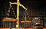 جنايات الكرخ : السجن عشر سنوات لمنتحل صفة قاض .