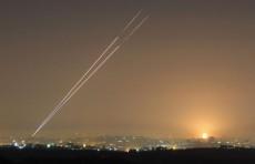 بالفيديو: إطلاق صواريخ من قطاع غزة على مستوطنات إسرائيلية