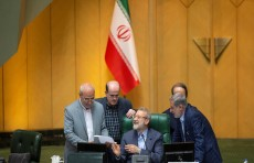 رئيس البرلمان الإيراني في سوريا لبحث التطورات الإقليمية مع الأسد
