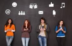 صداقات الانترنت جيدة ولكن لها سلبيات أيضاً.. ما هي؟