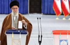 """الايرانيون ينتخبون اليوم برلمانا جديدا وخامنئي يعده """"عيدا وطنيا"""""""