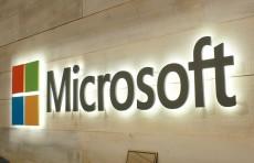 """تسريبات تكشف معلومات جديدة عن هاتف مايكروسوفت """"ذي الروحين"""""""