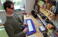 باحثون بولنديون يطورون  برنامج يُمكن فاقدي البصر من رؤية اللوحات عبر الصوت