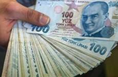 الليرة التركية تهبط إلى مستوى قياسي  امام الدولار