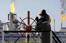 أسعار النفط تتراجع بعد ارتفاع مخزونات الخام في الولايات المتحدة الأمريكية