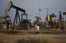 اسعار النفط ترتفع مع انخفاض مخزونات الخام الامريكب