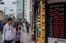 انخفاض قياسي جديد في الليرة التركية مقابل الدولار الأميركي