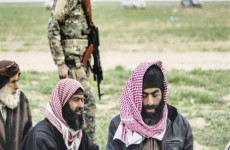واشنطن تسلم بغداد 50 سجينًا داعشيًا نقلتهم من سوريا