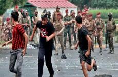وزارة الدفاع تتوعد بمحاسبة كل من تسبب بقتل أو اصابة المتظاهرين