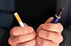 """دراسة جدلية أمريكية """"تنصف"""" السجائر الإلكترونية أمام خطر العادية!"""