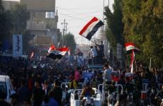 """متظاهرو العراق يطلقون هاشتاغ """"القاتل لا يمثلني""""… فيديو"""