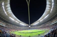 سرقة كأس دوري جنوب إفريقيا الممتاز قبيل انطلاق المباراة النهائية