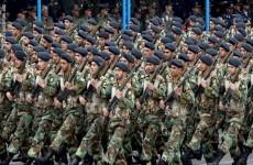 بالتعداد والعتاد.. مقارنة بين الجيشين الأمريكي والإيراني