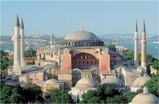 تركيا : تلاوة القرآن في متحف آيا صوفيا لا تتعارض مع مكانته  ولا مع اتفاقية اليونسكو لحماية التراث الثقافي