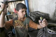 في اليوم العالمي لمكافحة عمل الأطفال... كورونا قد يدفع كثيرا منهم للعمل