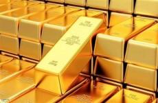 الذهب ينزل عن 1800 دولار مع صعود الدولار ومخاوف كورونا تكبح الخسائر