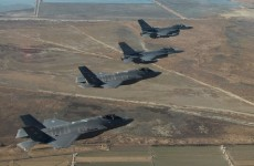 """العراق.. وزير الدفاع ينفي تعثر طائرات """"F16"""""""