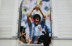 صديق الأسطورة الأرجنتينية: مارادونا ترك نفسه يموت