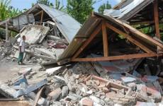قتلى وجرحى بزلزال قوته 6.2 درجة في إندونيسيا