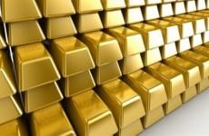 الذهب يهبط بعد بيانات مبشرة من الصين