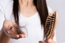 أطعمة تسبب تساقط الشعر.. تجنبها