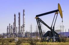 النفط يسجل ارتفاعا قياسيا هو الاعلى منذ اكثر من عامين