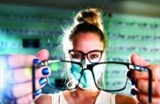 بشرى سارة لذوي النظارات