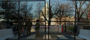 """مشهد بغداد يتكرر في واشنطن... المخابرات الأمريكية تنشئ منطقة """"خضراء"""" محصنة قبل حفل التنصيب"""