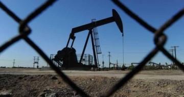 اسعار النفط تتراجع بفعل زيادة مفاجئة في مخزونات الخام الامريكي
