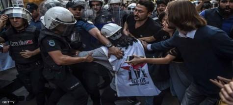 محكمة تركية  تقضي بحبس 24 شخصا شاركوا في احتجاجات على ظروف العمل بمطار إسطنبول الجديد