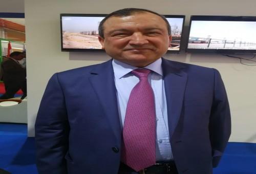 رجل أعمال يعيد النور إلى العراقيين بعد سنوات من الظلام وتعثر مشاريع الطاقة.