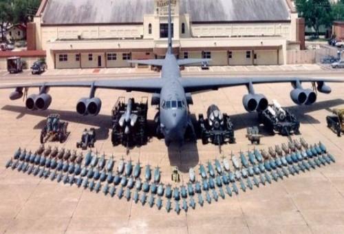 مميزات طائرة B52 الامريكية !!!!