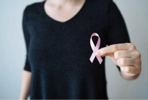 """دراسة تكشف عن """"غداء مجاني"""" للأورام السرطانية يسرّع نموها"""