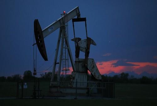 ارتفاع أسعار النفط مع بدء عودة الإنتاج ببطء في الولايات المتحدة