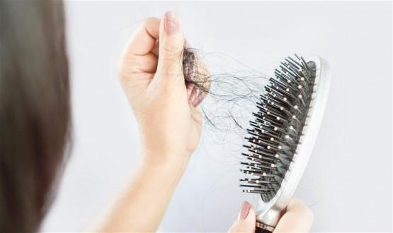 الكشف عن كيفية ايقاف تساقط الشعر بعد الاصابة بكورونا